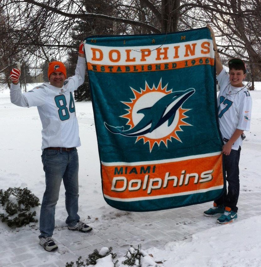"Dolphins win after ""almost Pitt miracle""!"