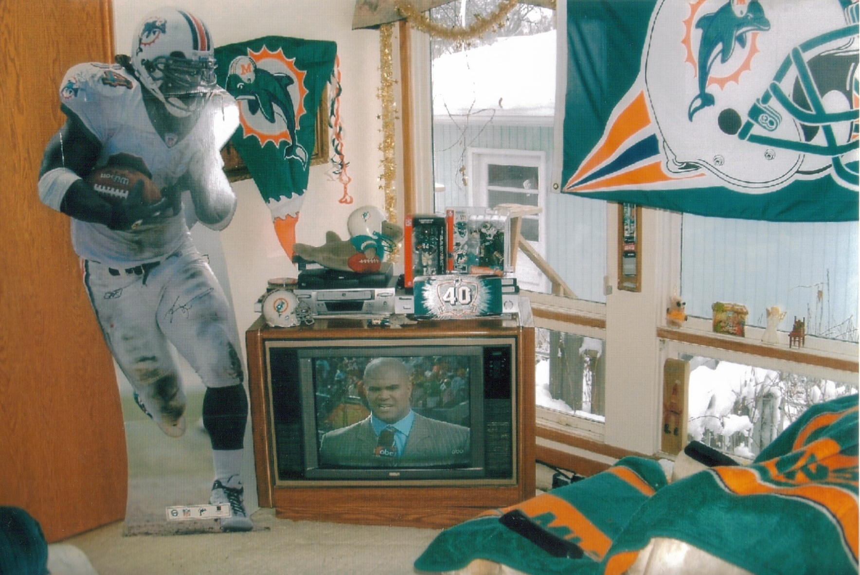 December of 2005: living room set to watch Dolphins
